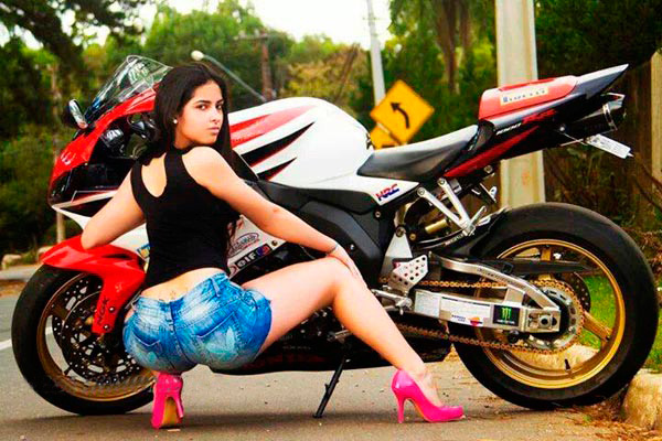 motoclubs-mexico-12-sexy-chicas-bikers-02