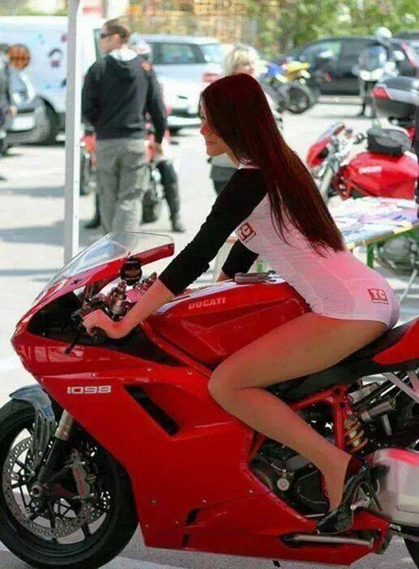motoclubs-mexico-12-sexy-chicas-bikers-03
