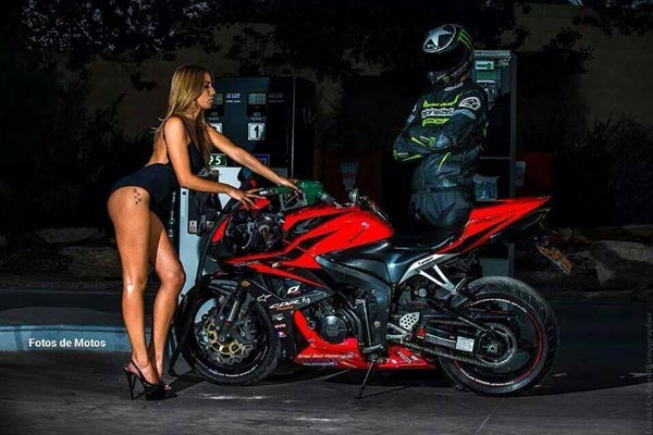 motoclubs-mexico-12-sexy-chicas-bikers-10