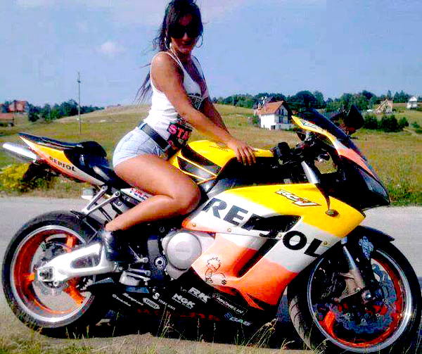 motoclubs-mexico-12-sexy-chicas-bikers-12
